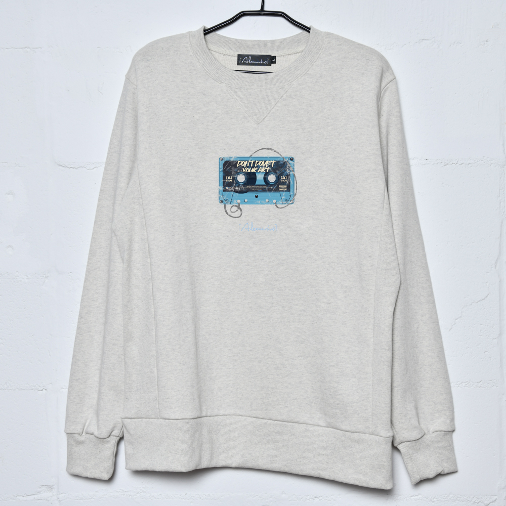 【NEW】Cassette Tape Sweatshirt(Heather Grey)