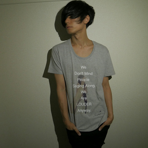 YOOHEI MICROPHONE PHOTO TEE (GRAY)