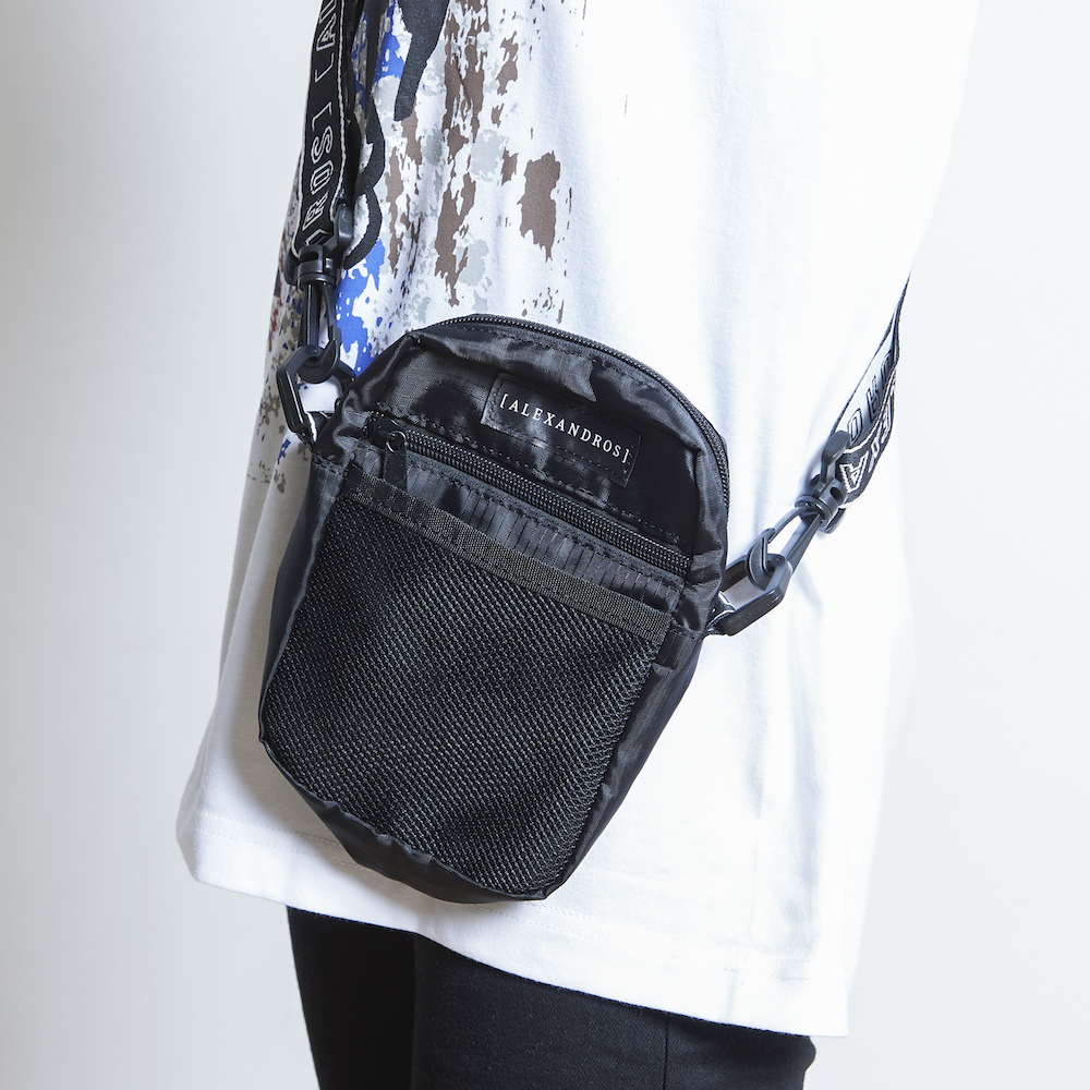 【NEW】LOGO TAPE SHOULDER POUCH